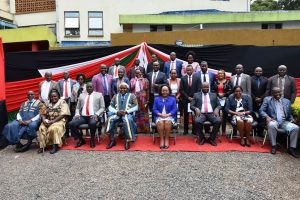 Members of the Kirinyaga County Assembly pose for a group photo with  Her Excellency the Governor Hon. Anne Waiguru.